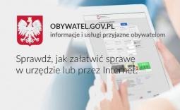 człowiek z tabletem , godło oraz napis obywatel.gov.pl - informacje i usługi przyjazne obywatelom - Kliknięcie w obrazek spowoduje wyświetlenie jego powiększenia